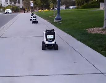 El robot Kiwibot te lleva tus pedidos a tu vivienda