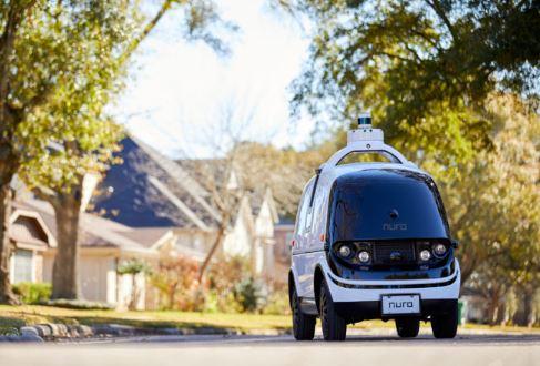 El auto sin conductor Nuro de pruebas en California