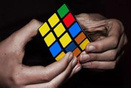 Inteligencia Artificial de la mano de un robot que realiza el cubo de Rubik