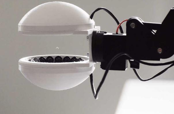 Schuck, la pinza acústica para robot con la que coges un elemento sin manipularlo